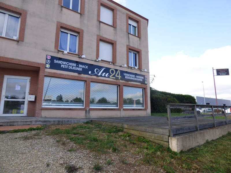 Location local commercial Muret 1 521€ CC - Photo 1