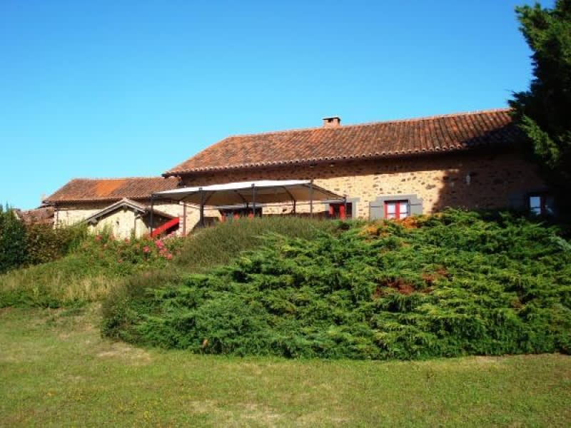 Sale house / villa Rochechouart 158500€ - Picture 1