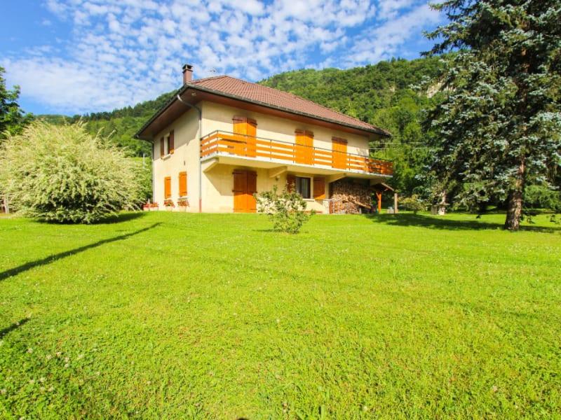 Maison individuelle - Calme et verdure - 150 m² - Saint-Béron