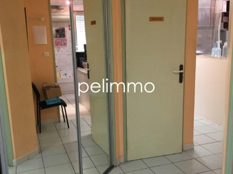 Rental empty room/storage Salon de provence 850€ CC - Picture 5