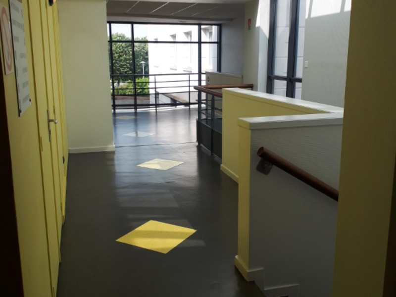 Location local commercial Longuenesse 789€ CC - Photo 2