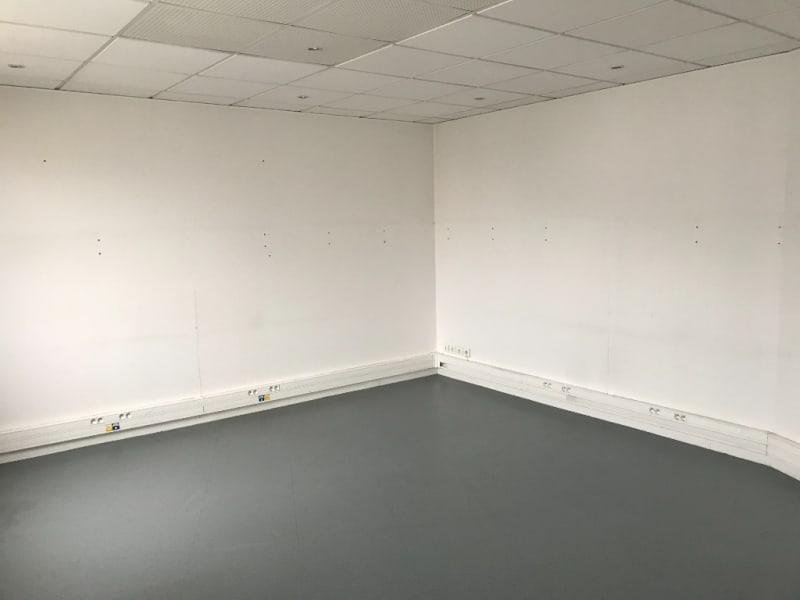 Location local commercial Longuenesse 789€ CC - Photo 4