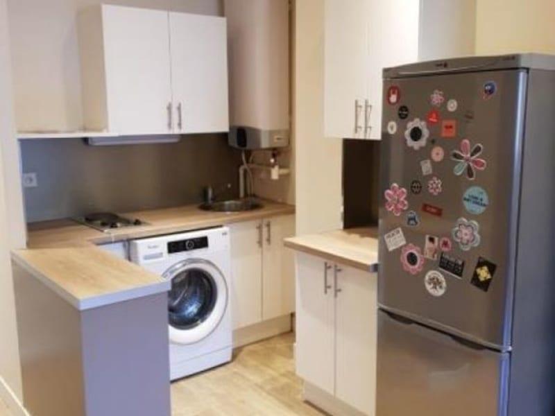 Location appartement Paris 18ème 925€ CC - Photo 2