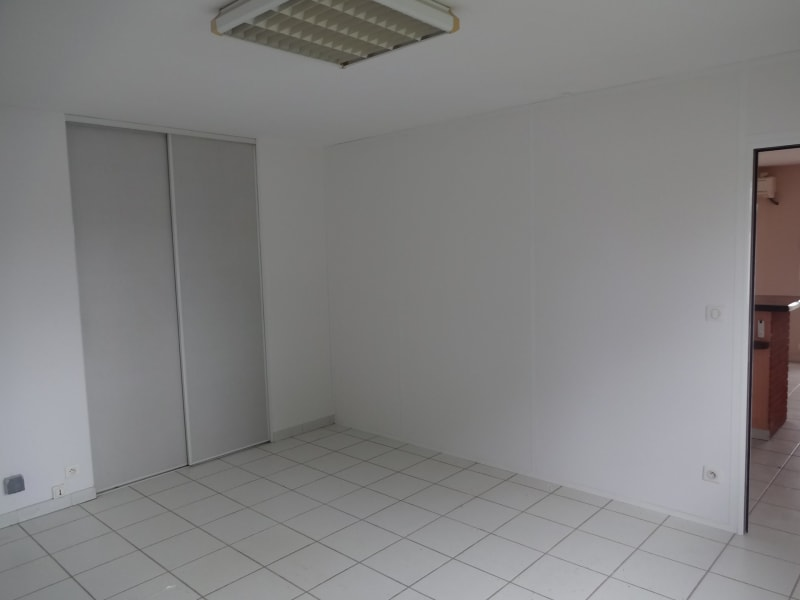 Location local commercial Cornebarrieu 1 150€ CC - Photo 7