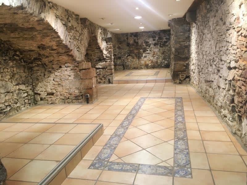 Rental empty room/storage Fougeres 950€ HC - Picture 1