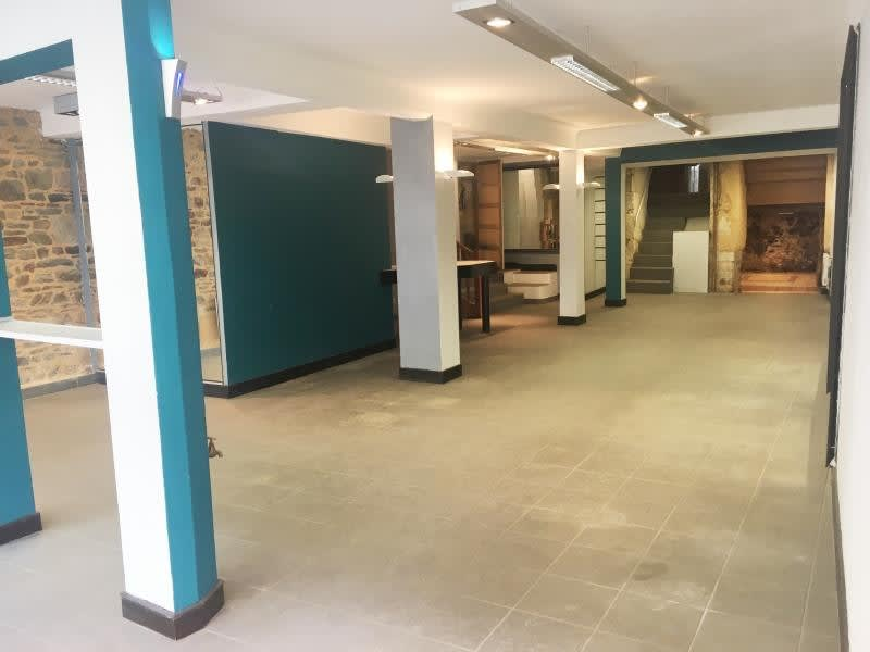 Location local commercial Fougeres 950€ HC - Photo 3
