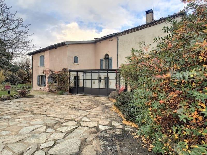 BONGHEAT proche Billom maison de 240 m2 sur 2200 m² de terrain