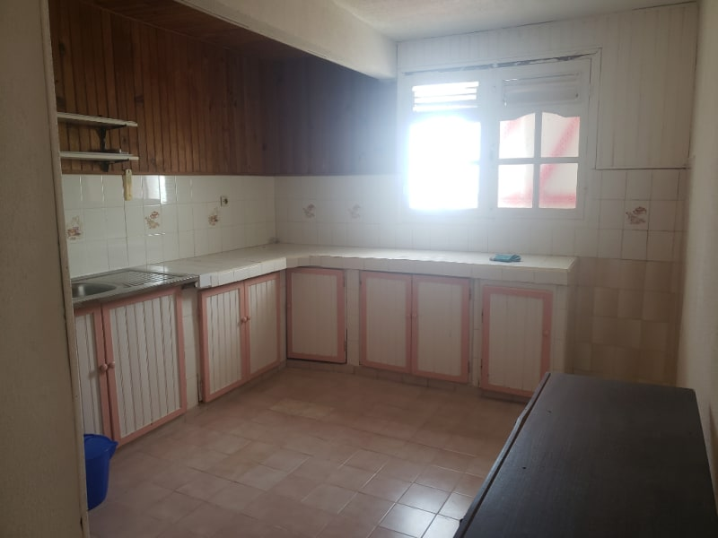 Location appartement Le moule 700€ CC - Photo 4