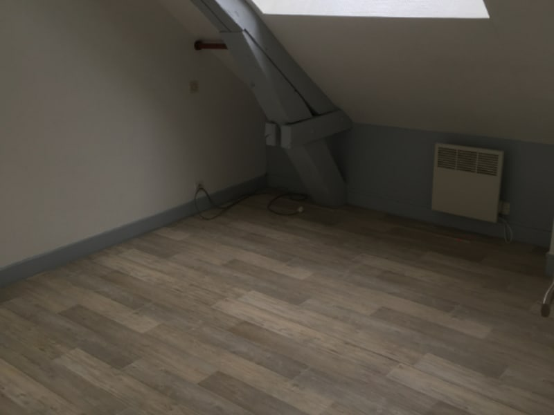 Rental apartment Saint quentin 445€ CC - Picture 6