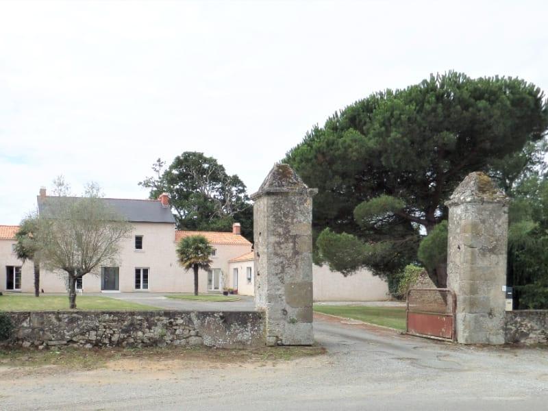 Maison FAMILIALE d'environ 400 m² OU création  de GITES - CHAMBR
