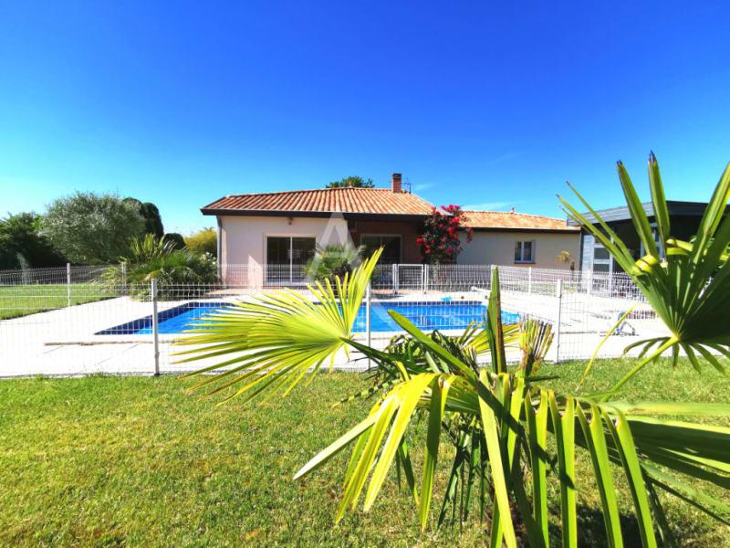 Sale house / villa L isle jourdain 472500€ - Picture 4