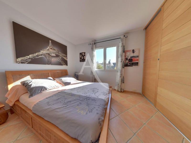 Sale house / villa L isle jourdain 472500€ - Picture 8