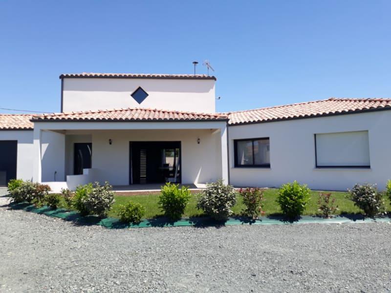 Sale house / villa Saint denis du payre 309000€ - Picture 1
