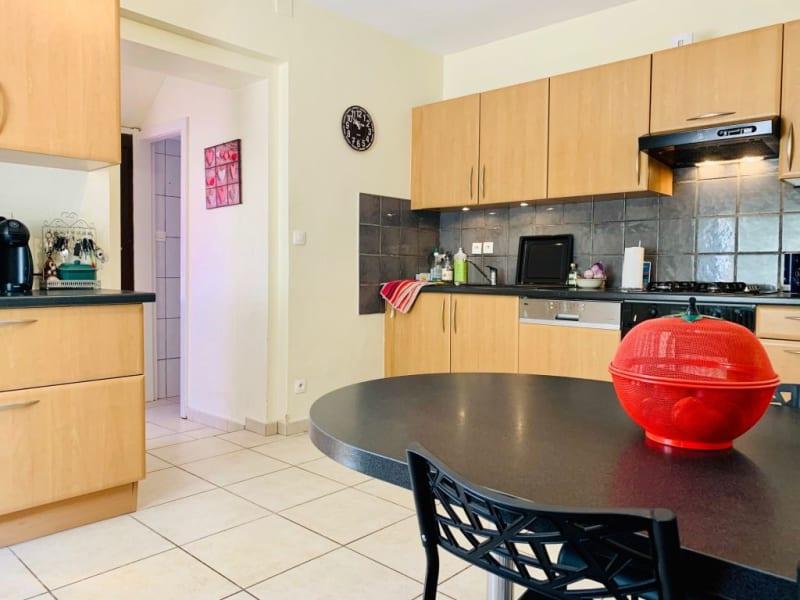 Verkoop  appartement Colmar 174900€ - Foto 6
