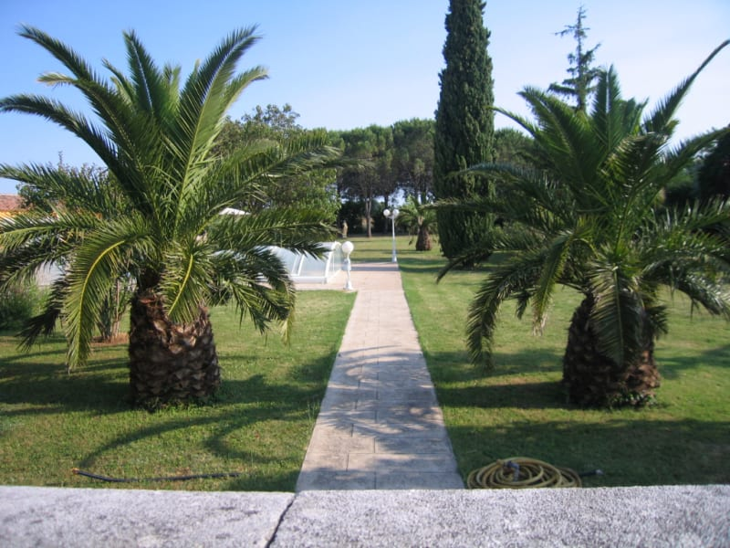 Sale house / villa Redessan 462000€ - Picture 2