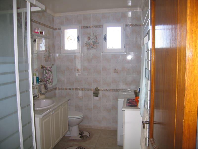 Sale house / villa Redessan 462000€ - Picture 8