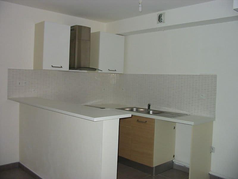 Location appartement St denis 832€ CC - Photo 3