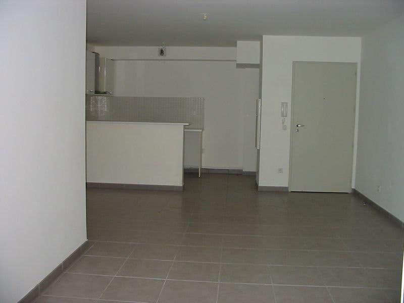 Location appartement St denis 832€ CC - Photo 6