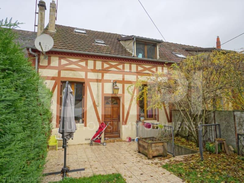 Sale house / villa Les andelys 142000€ - Picture 1
