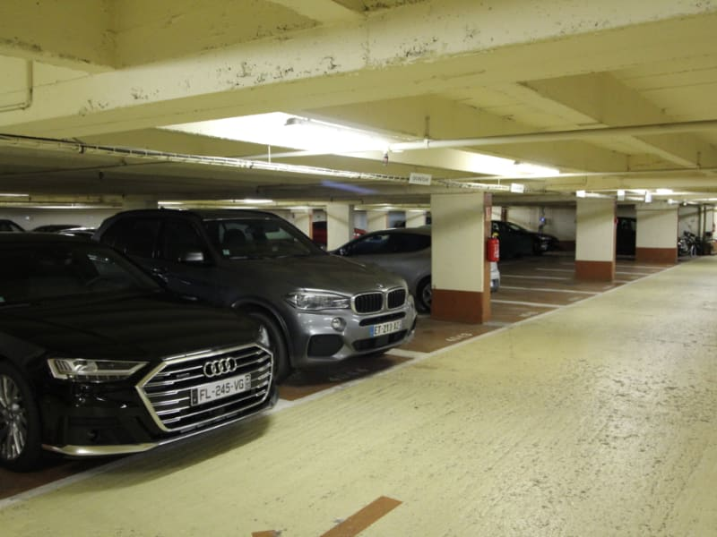 Location parking Neuilly sur seine 130€ CC - Photo 2