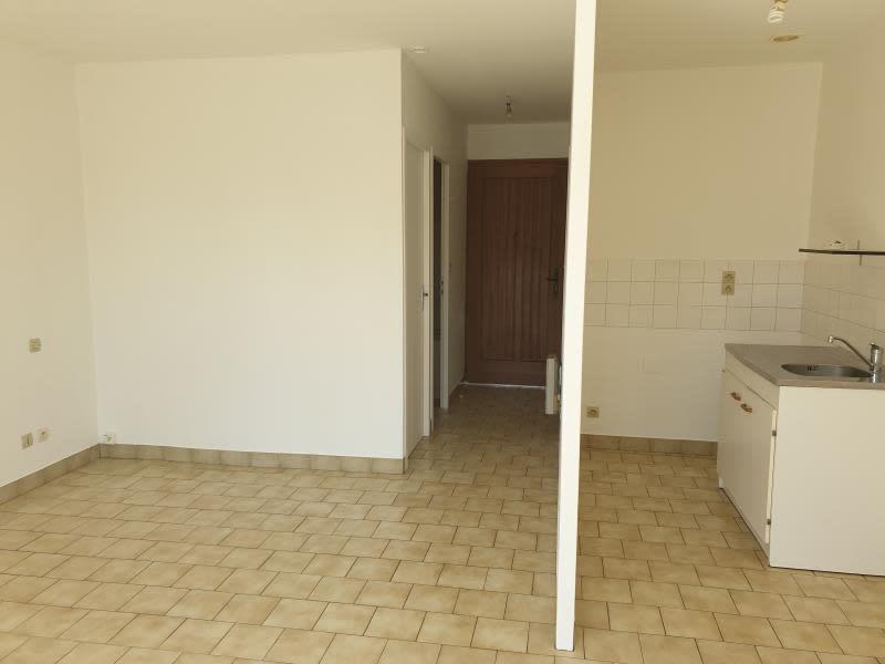 Location appartement Neuville de poitou 350€ CC - Photo 2