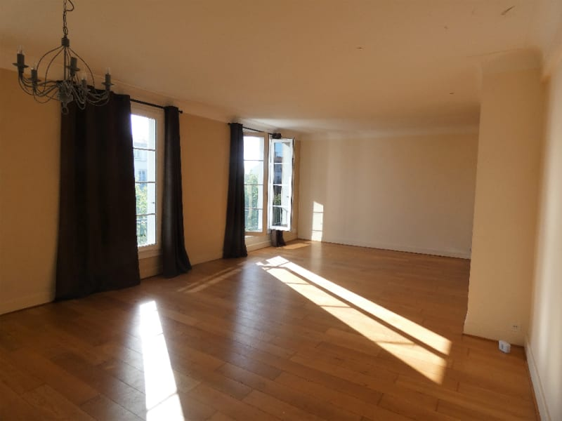 Sale apartment Royan 313000€ - Picture 1