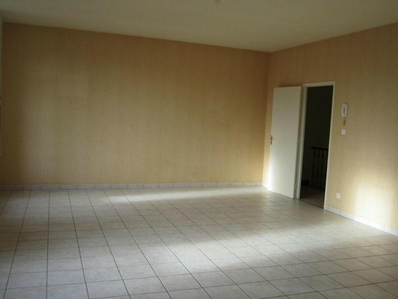 Rental apartment Baignes-sainte-radegonde 422€ CC - Picture 2