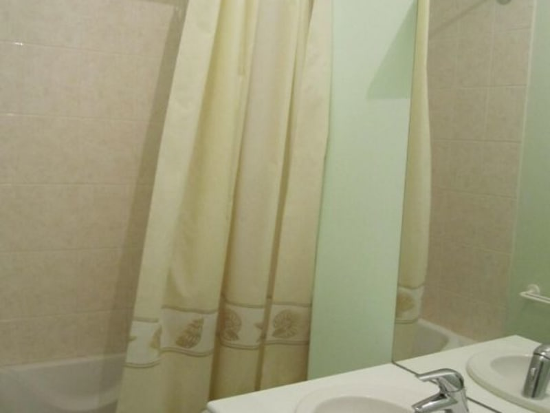 Rental apartment Baignes-sainte-radegonde 422€ CC - Picture 6