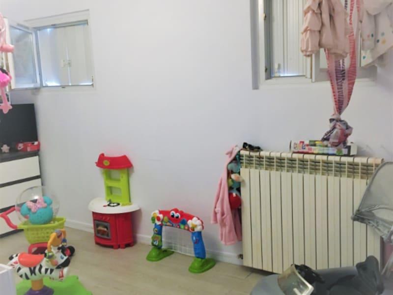 Sale apartment Peyrolles en provence 110000€ - Picture 3