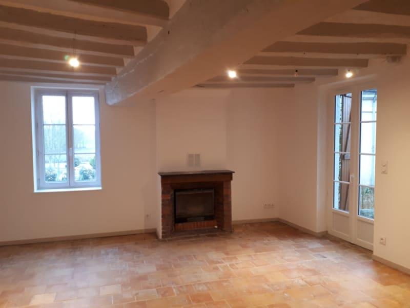 Verhuren  huis Les roches l eveque 580€ CC - Foto 2