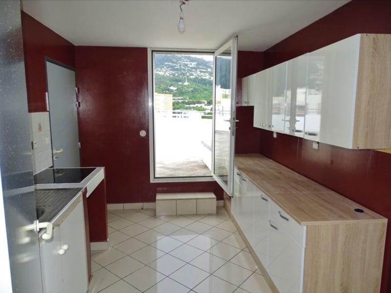 Verhuren  appartement Saint denis 1296€ CC - Foto 6