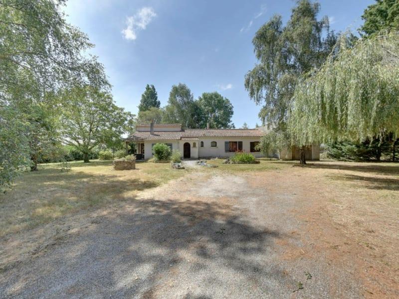 Sale house / villa La gripperie st symphorien 220000€ - Picture 1