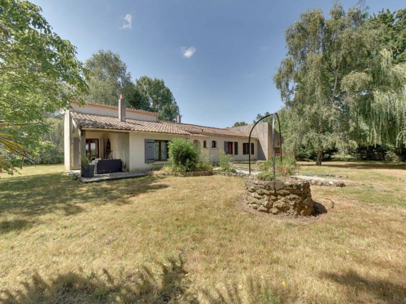 Sale house / villa La gripperie st symphorien 220000€ - Picture 2