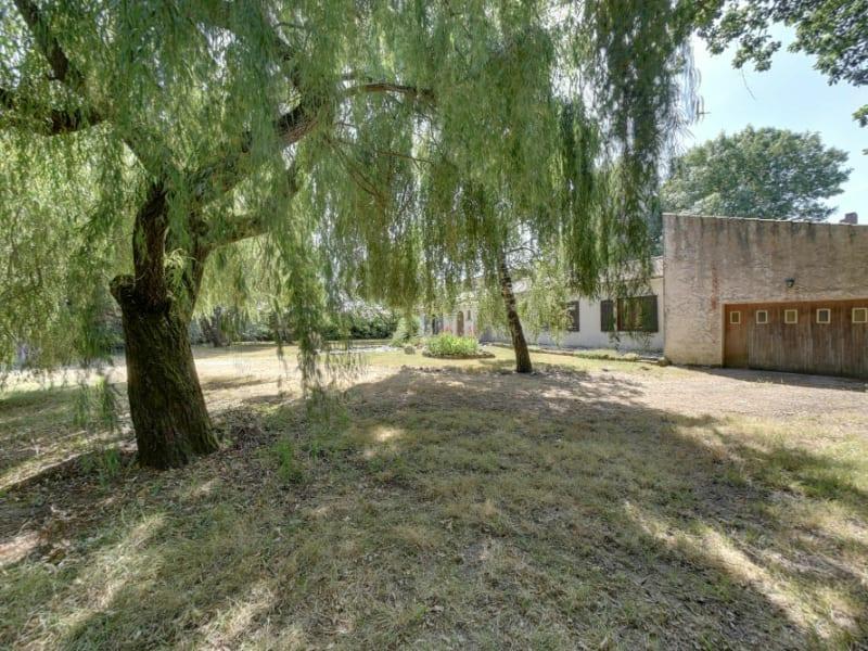 Sale house / villa La gripperie st symphorien 220000€ - Picture 9