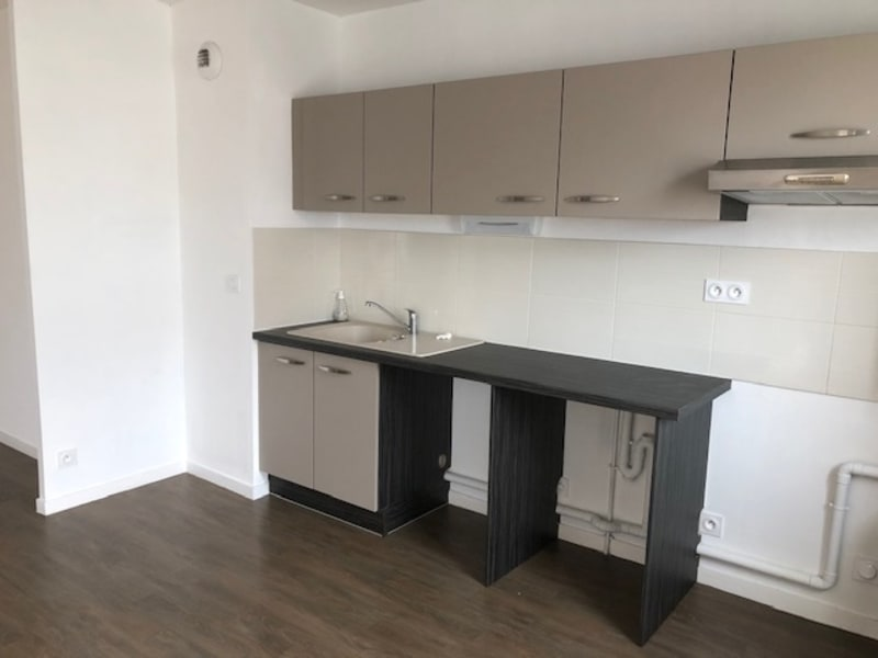 Sale apartment La roche sur yon 138000€ - Picture 3