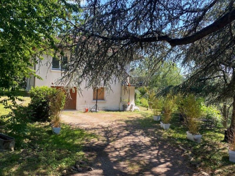 Sale house / villa Charbonnieres les bains 775000€ - Picture 1