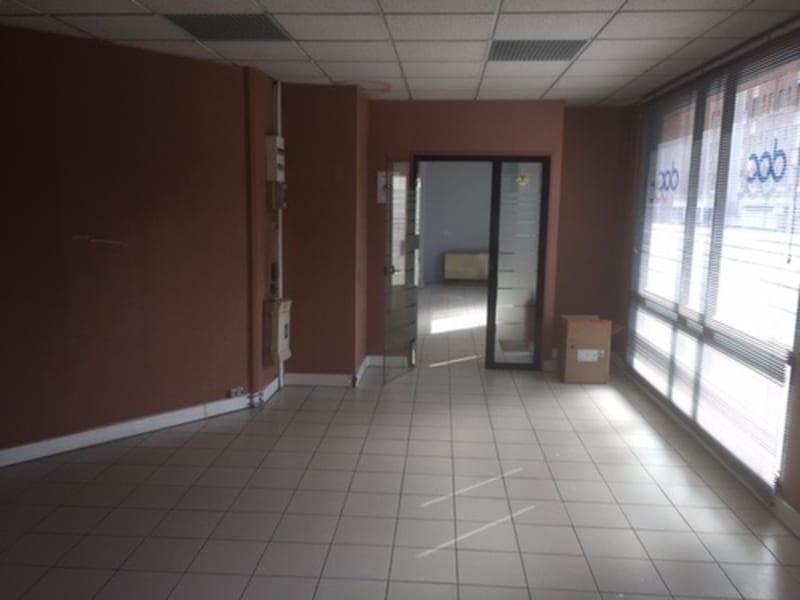 Sale empty room/storage Paris 20ème 590000€ - Picture 7