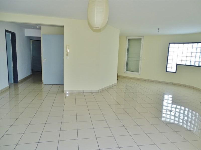 Verhuren  appartement Saint denis 1296€ CC - Foto 3