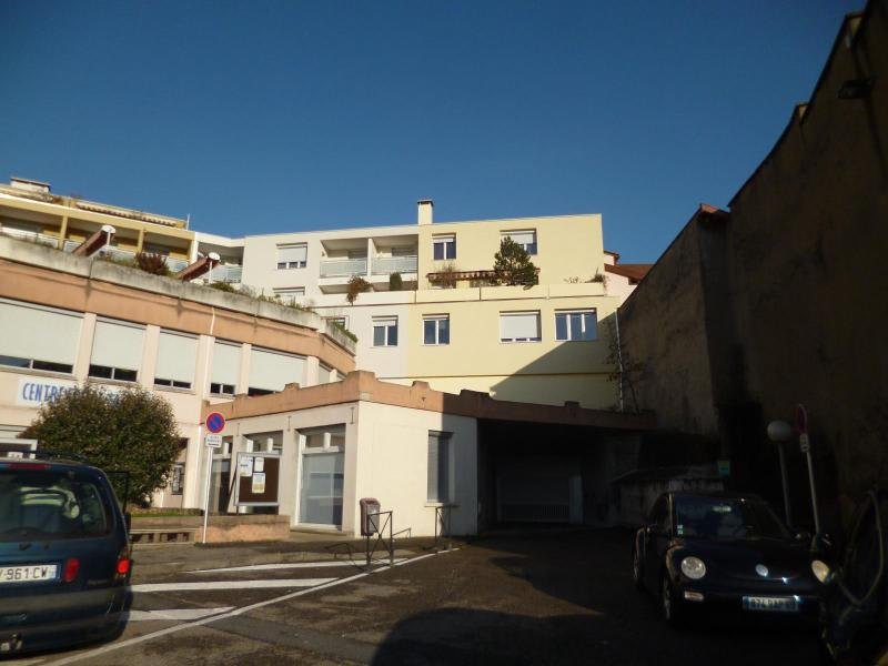 Location parking Tarare 63€ CC - Photo 2