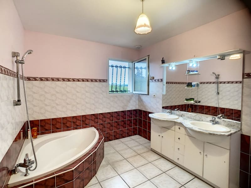 Venta  casa Auberives sur vareze 335000€ - Fotografía 6