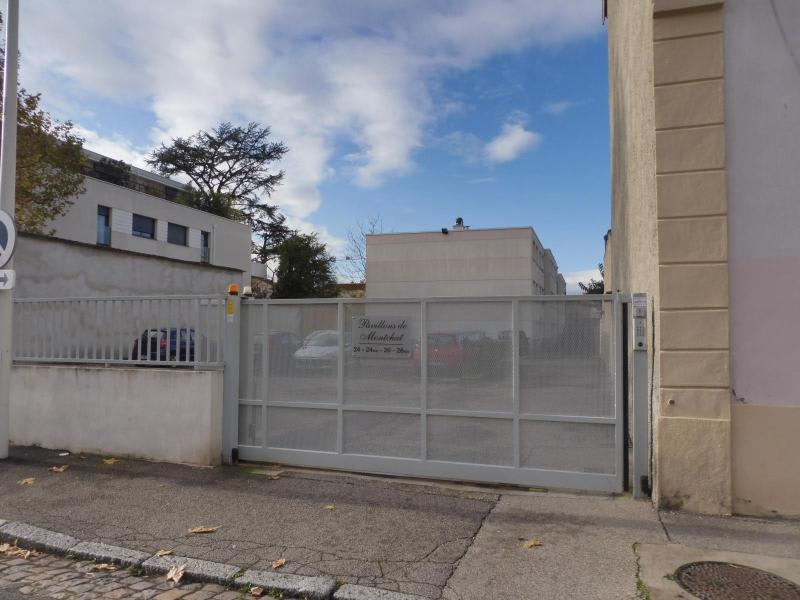 Location parking Lyon 3ème 60€ CC - Photo 1