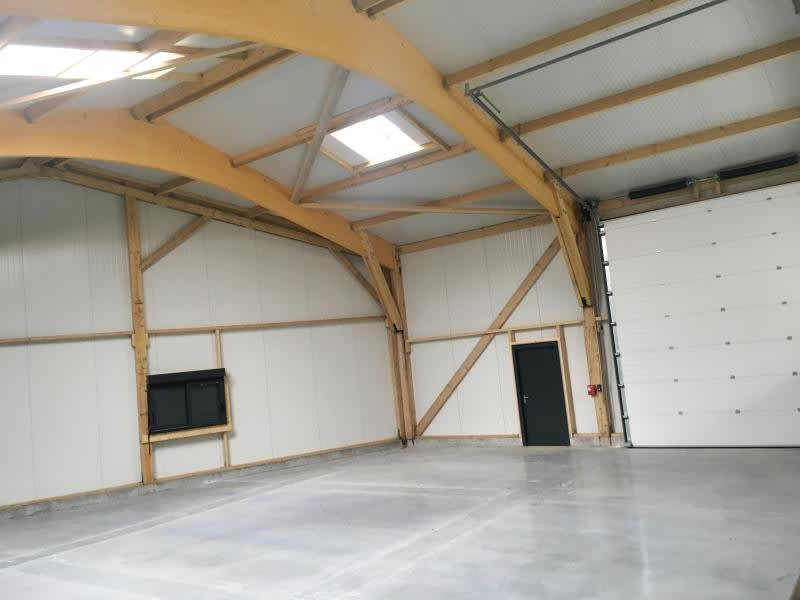 Location local commercial Fougeres 599,50€ HC - Photo 4
