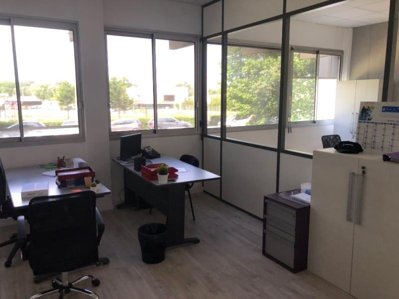 Rental empty room/storage Aix en provence 920€ CC - Picture 9