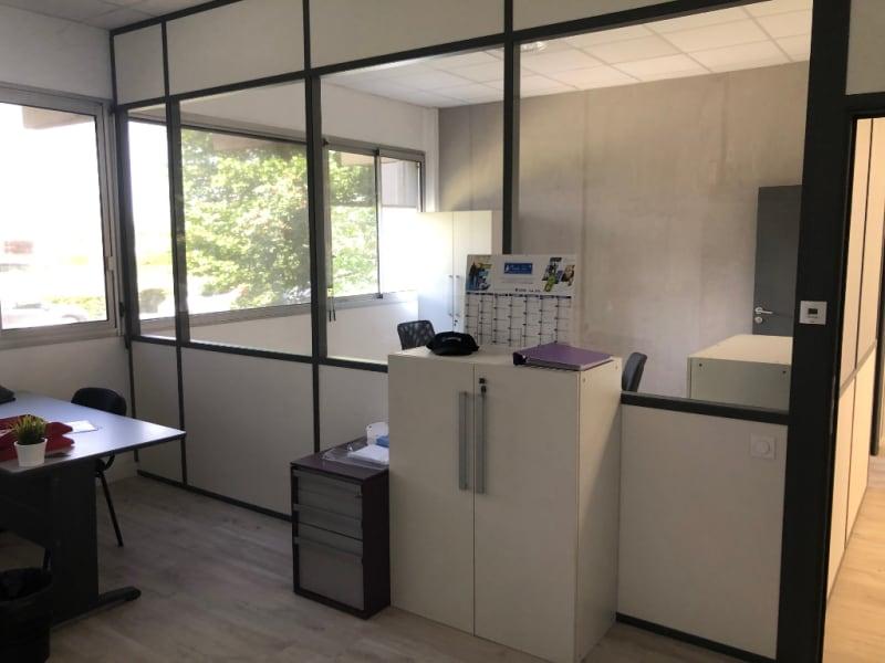 Rental empty room/storage Aix en provence 920€ CC - Picture 10