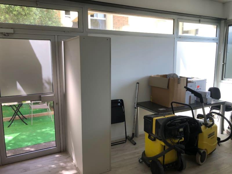 Rental empty room/storage Aix en provence 920€ CC - Picture 12