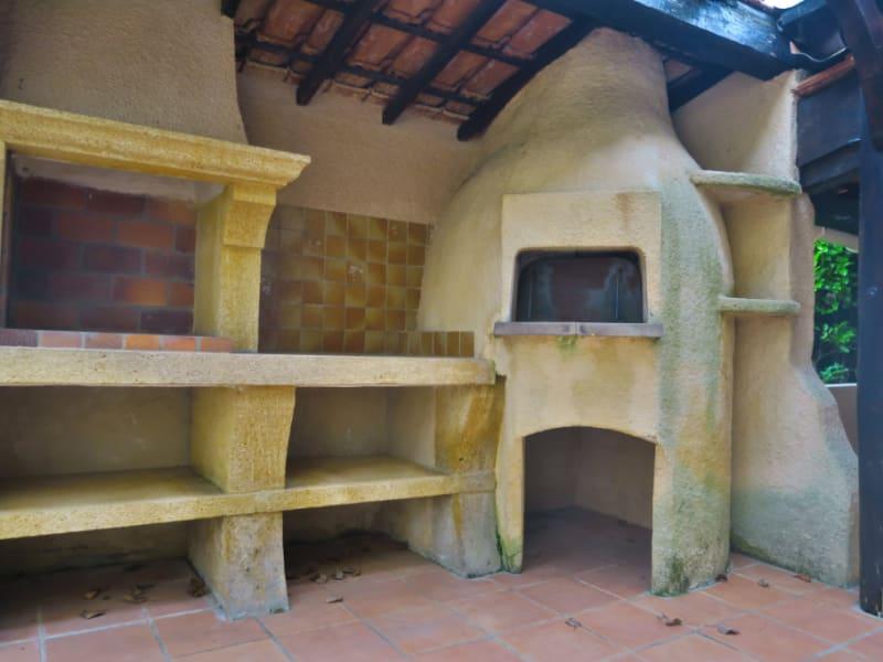 Vente maison / villa Aix en provence 565000€ - Photo 6