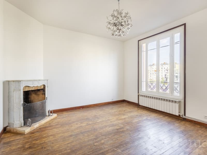 Sale apartment Courbevoie 415 000€ - Picture 1