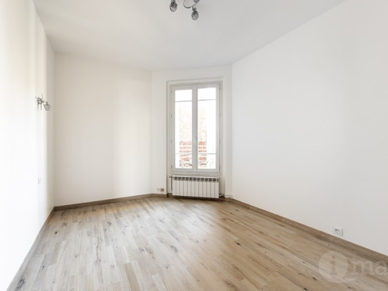 Sale apartment Courbevoie 415 000€ - Picture 2