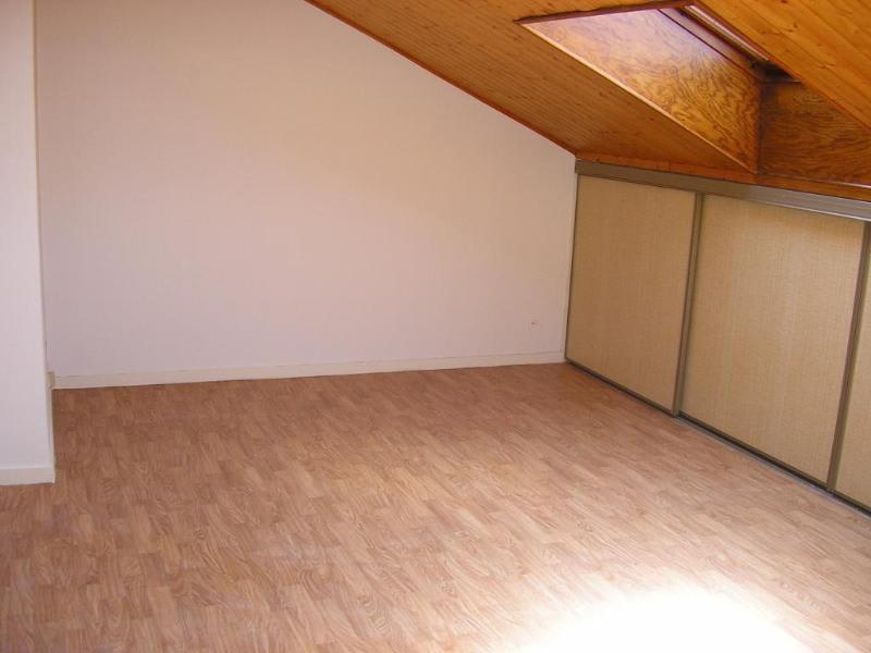 Rental apartment Bellignat 222€ CC - Picture 1