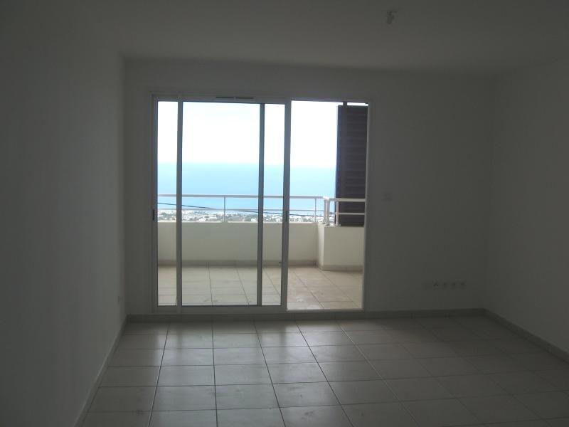 Location appartement Ste clotilde 810€ CC - Photo 1